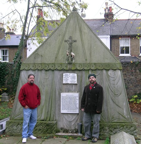 Kevin Cummings and Daniel Graf at Burton's tomb.